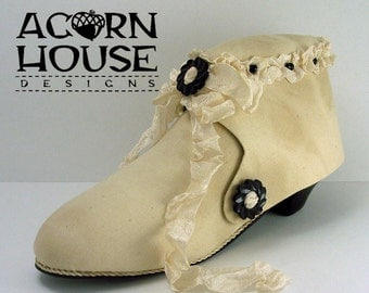 The Victorian Shoe Etui handmade original by Susan Myers/Acorn House Designs. Prim style -featured in Sew Somerset Summer 2015