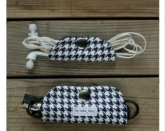 Ear buds & charger holders - Houndstooth navy