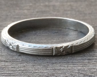 Antique 18k White Gold Carved Wedding Stacking Band Ring Size 7