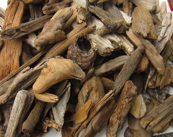 """Driftwood - MIXED BULK LOT for Crafting - 50 assorted sticks, paddles, knots and chunks, 2-8"""" x 1/2-3"""""""