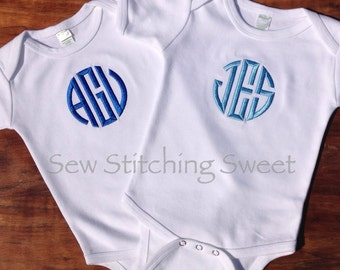 Personalized Baby Bodysuit, Boy Monogrammed Bodysuit, Personalized Boy set, Monogrammed Bib,  Baby shower Gift, Baby Hospital Pictures