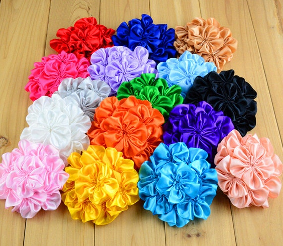 how to make folded ribbon flowers
