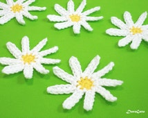 Crochet daisy, crochet applique, daisy applique, small white flower, small embellishments, wedding decorations, flower applique /Set of 6/