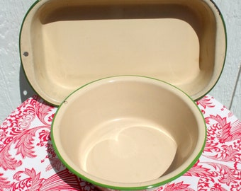2 Versatile Vintage Enamelware Green and Cream Pieces a Round Basin & an Elongated Baking Pan