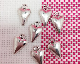 25 Heart Charms  Heart Pendant,Lovely Heart Charms 12×18mm