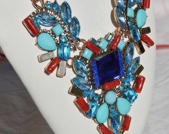 baroque necklace in red coral, lapis lazuli, rhinestones and pearls