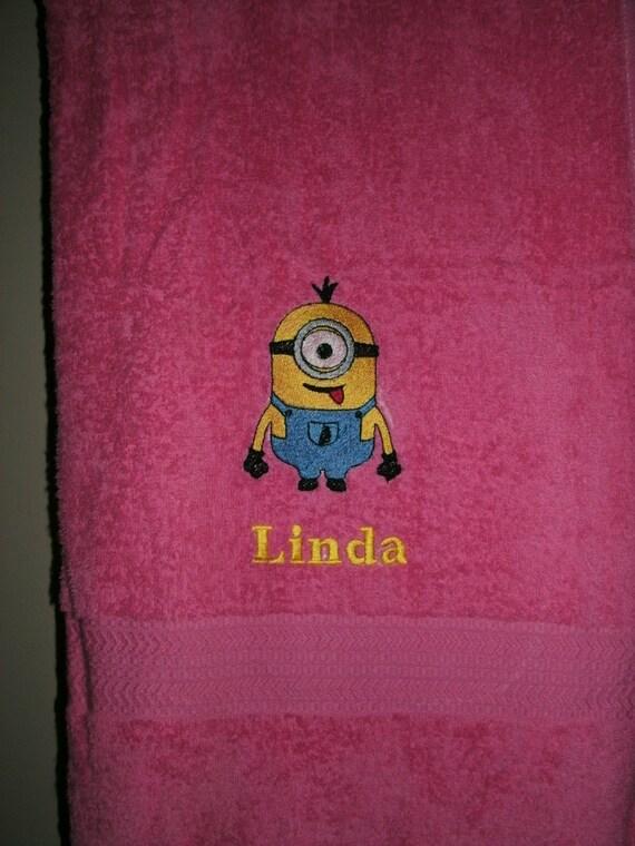 serviette de bain minion personnalis d fini par cresscreations. Black Bedroom Furniture Sets. Home Design Ideas