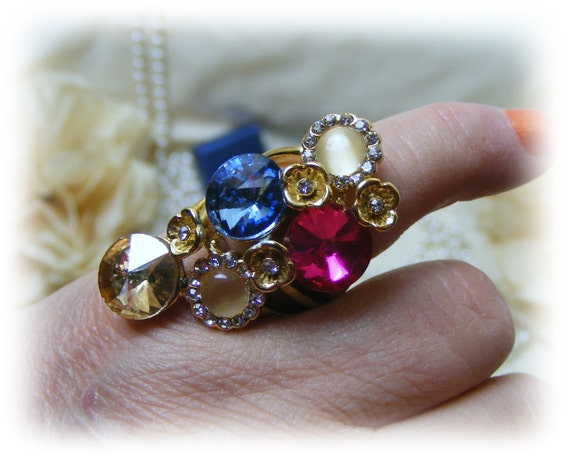 Large JEWELED COCTAIL RING (sz 6)   (Ladies Ring)
