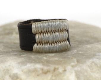 Jih leather ring