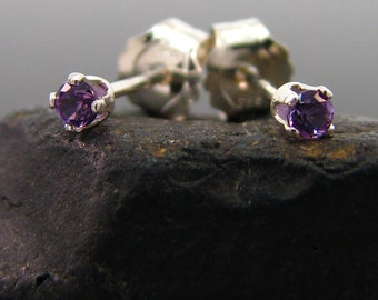 Tiny stud with amethyst, small earring natural amethyst, small earing sterling silver 2 mm