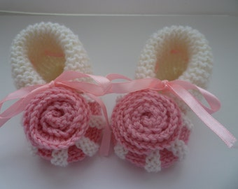 Knit Baby booties, knit girls booties, knitted Baby booties, pink, rose, baby girls shoes , knitted baby shoes, handmade