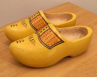 Hand Painted Dutch Wooden Shoe  SZ 25 / 39