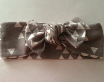 Top Knot Headband-Gray with White Triangles