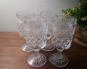 WEXFORD Water Goblets. Wexford VINTAGE Glassware. Water, Wine Elegant Wexford Glasses. Set of 4. Tall Goblets. Vintage Glassware