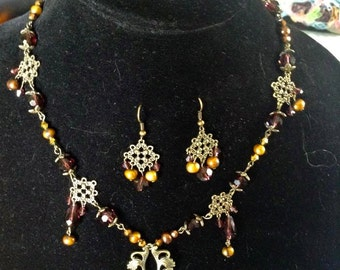 Brown and Gold Vintage Styled Necklace, Bracelet, and Earring Set