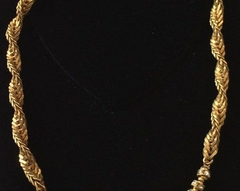 Lovely Vintage Miriam Haskell Necklace~Rhinestone Crystals/Gold Tone Chain~Signed