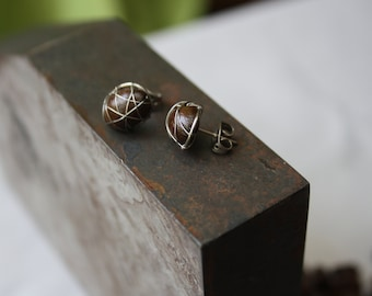 studs with coffee beans and high-grade steel wire