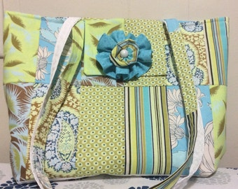 Summer fling purse made with Amy Butler fabrics