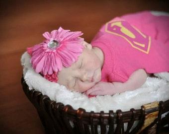 Newborn Super girl cape, Newborn Halloween costume, Infant Super girl Superhero Cape,Photo shoot costume, Baby Superhero cape costume