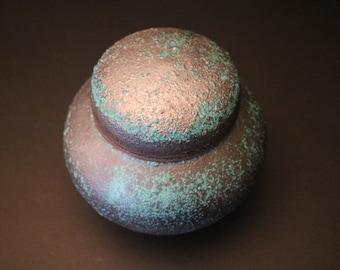 cap lidded ceramic jar