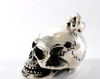 Skull pendant 925 sterling silver  -- 2048