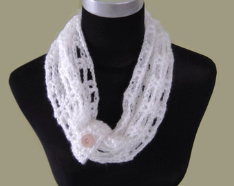 Infinity Cowl Scarf - White | crochet cowl | chunky knit scarf