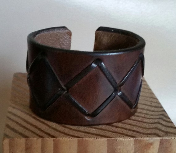 "GIRLS, WOMEN'S Dark Brown LEATHER Cuff with Cross Stitch Lacing. For Small 5-1/4"" Wrist. Lined. Copper Hook Clasp. 1-1/2"" Wide Bracelet"