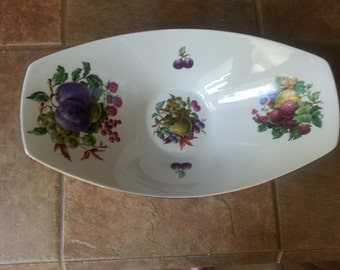 Naaman Israel Oblong Porcelain Centerpiece / Fruit Dish 16 Inches, Like New Condition, Very Attractive, Made in Israel