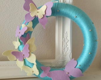Butterfly wreath | Spring wreath | felt wreath | Spring decor | yarn wrapped wreath