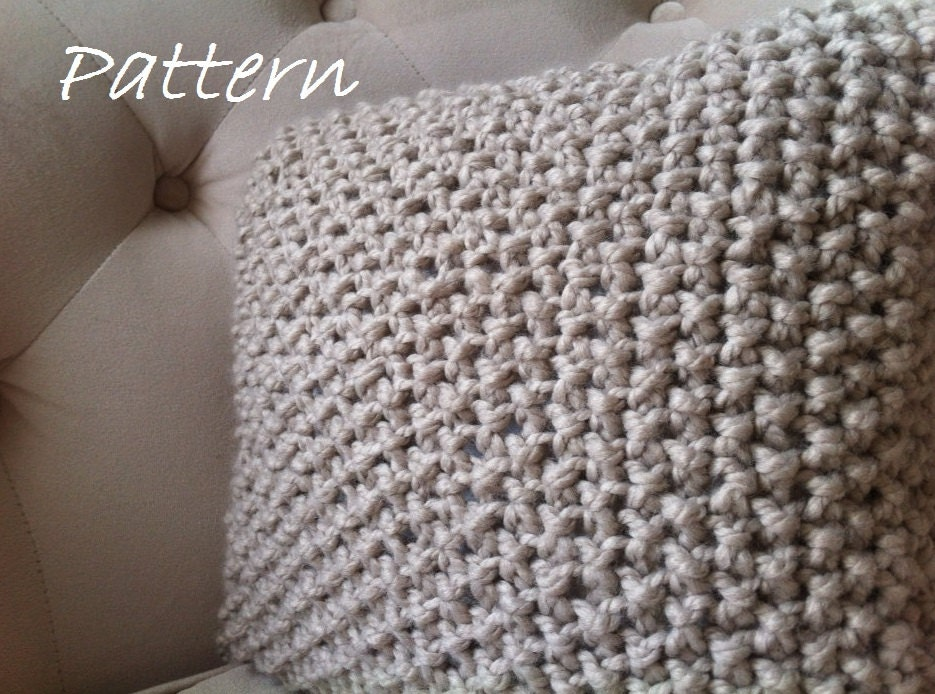 Knit Throw Pillow Cover Pattern : Decorative Knit Pillow Pattern / DIY Chunky Throw Pillow Cover