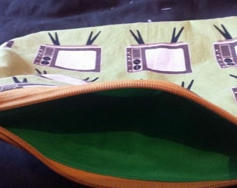 Retro tv green zip up pouch lined make up bag pencil case