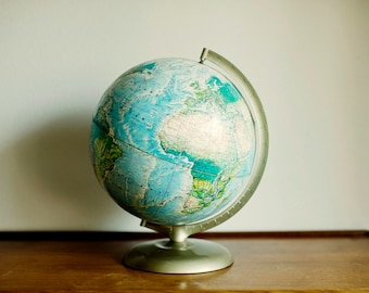 World Globe - Rand McNally World Portrait Globe