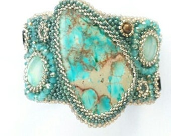 Cuff bracelet, statement bracelet, beaded bracelet, jewelry, cabochon bracelet, green turquoise, bead embroidery, handmade.