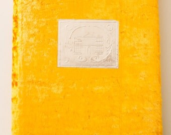 Vintage yellow photo album(VOSHOD) from Soviet Union - Vintage Fotoalbum aus der Sowjetunion