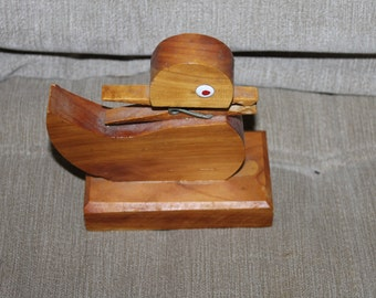 This is a Vintage Wood Duckling w a Mouth - Holds Coupons or Grocery Store Lists, Things Like That, Hand Made, Home Decoration, Collectible