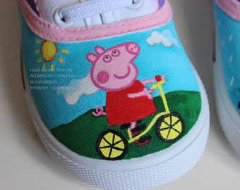 Ready to ship handpainted Peppa pig shoes. Hand drawn and handpainted peppa pig sneackers.