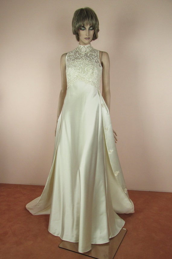 80 S Vintage Wedding Dress Ivory Bridal Gown From The