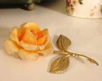 Vintage 1950's Gold Plated Soft Peach Rose Pin/Brooch