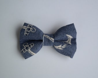 Anchors clip on bowtie