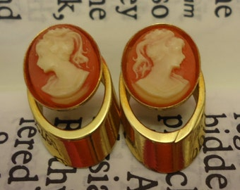 Vintage Gold Tone Pink Cameo Stud Earrings