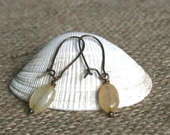 Yuyao earrings, jade earrings, yellow earrings, yellow jade earrings, jade drop earrings, drop earrings, gifts for her, dainty earrings