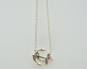 Anchor charm chain necklace