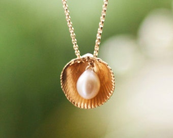 Pearl Seashell Necklace