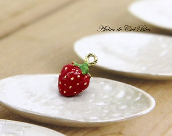 Strawberry, Strawberry Charm, Tiny Gold Strawberry Charm, Fruit Charm, Food Charm, Enamel Strawberry Charm, Strawberry Jewelry