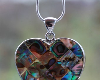 Gift Natural Abalone Shell Heart Shaped Pendant Necklace