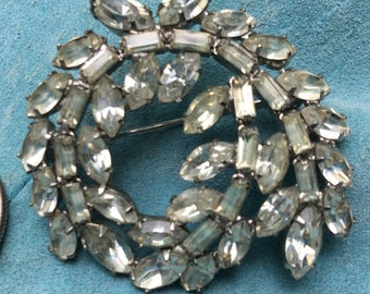 Vintage Rhinestone Pin Brooch Sparkles