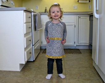 Apron, Reversible & Adjustable Toddler Gray/Yellow Apron with Movable Straps
