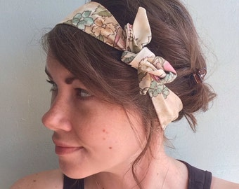 retro fabric tie headband - upcycled vintage floral print fabric - cream with green and pink flowers