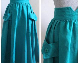 Kelly Skirt   vintage kelly green 1970s midi skirt