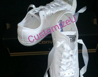Adults all white Low top Converse